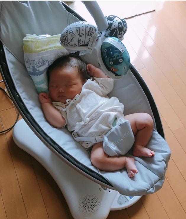 ママルーで熟睡する赤ちゃん